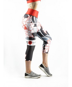 Combat Dollies Tumbling Peonies Capri Fitness Leggings